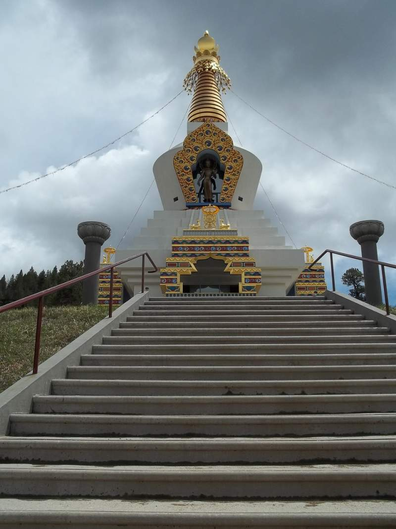 stupa-religion-buddhism-temple